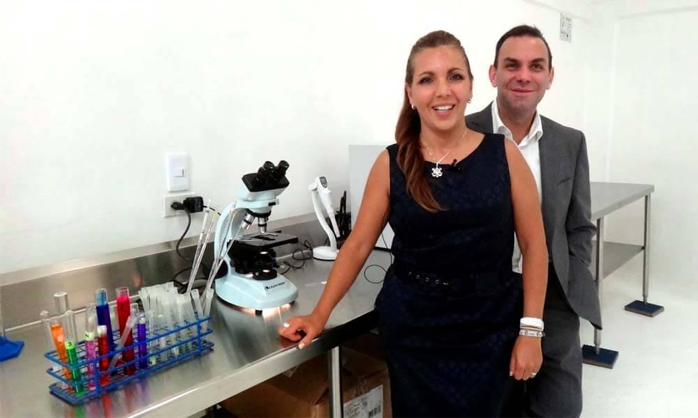 Gabriela y Sergio León Gutiérrez de la empresa Gresmex, creadores de la nanobiomolécula Nbelyax en productor Éviter