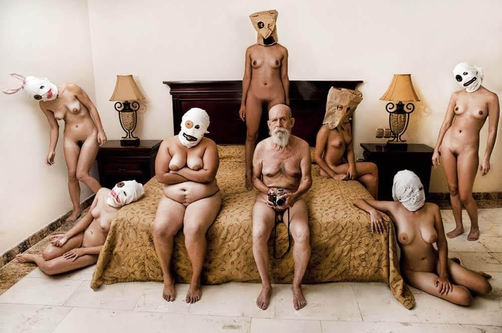 Desnudo artístico de ancianos y mujeres de Julio Sanz